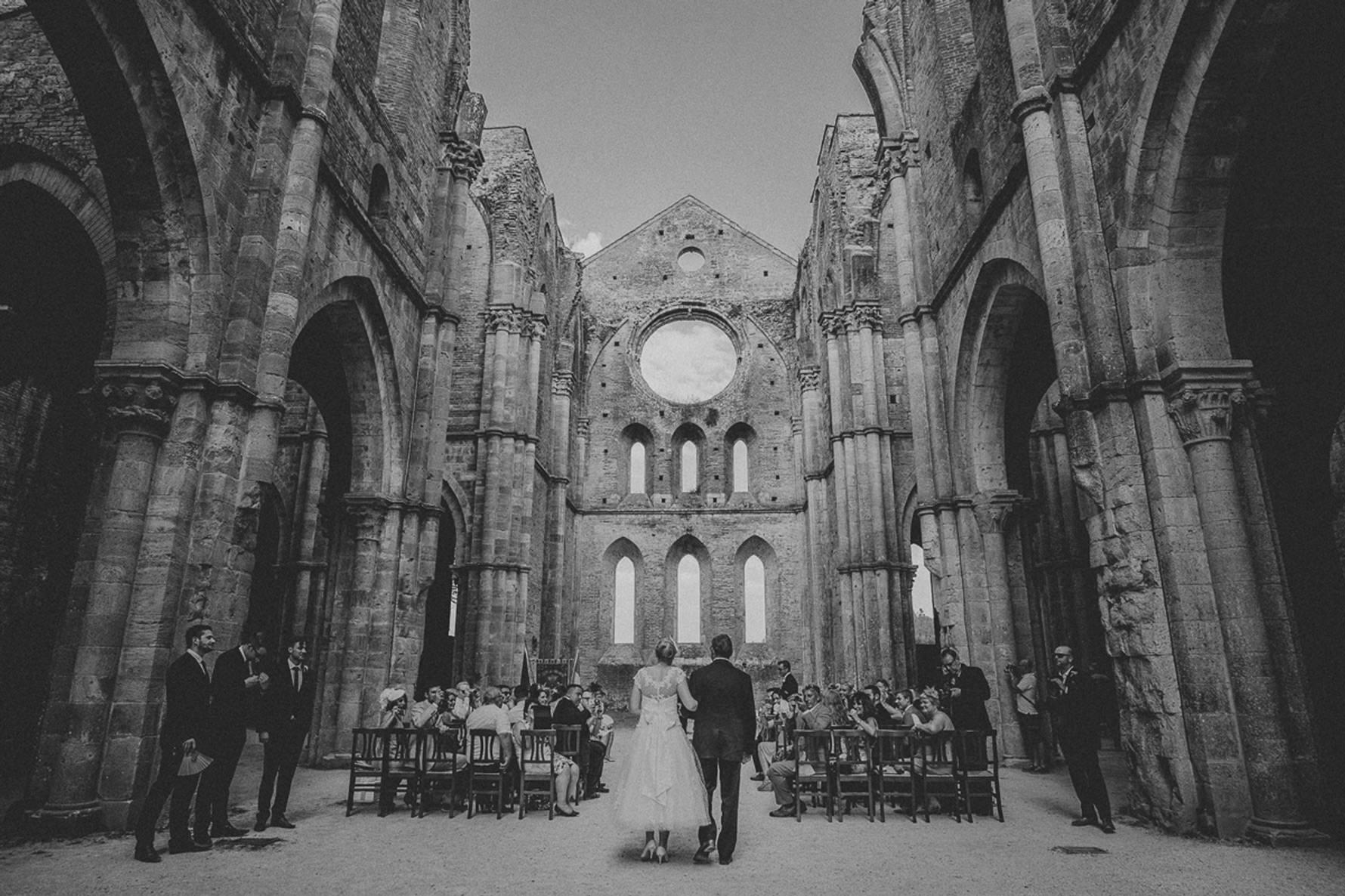 fotografo matrimonio per cerimonia esclusiva a san galgano